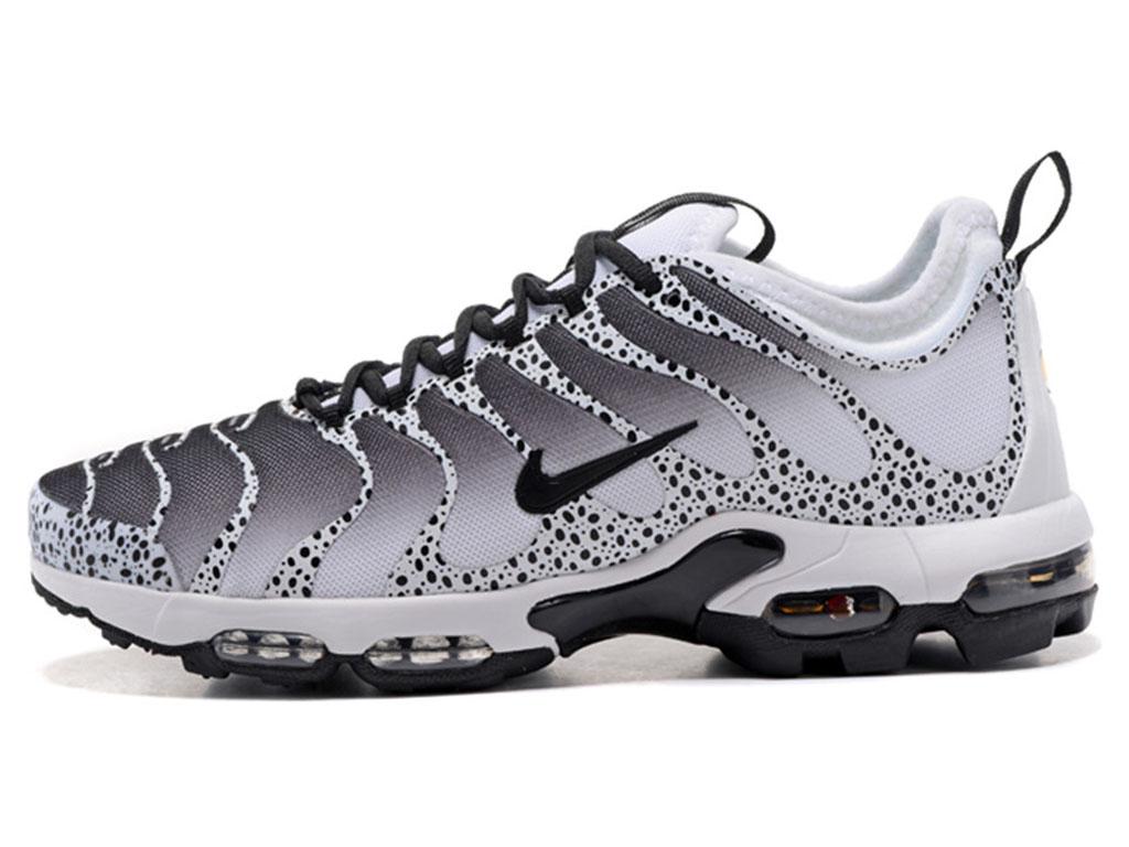 baskets nike air max plus tn chaussures de running pour homme noir